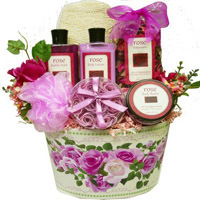 Rose Petal Spa Basket. Shop in Ukrainian Marriage Agency.