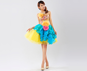 Brightly colored dress. Shop in Ukrainian Marriage Agency.