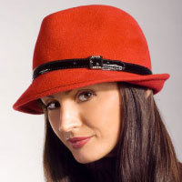 The stylish bonnet. Shop in Ukrainian Marriage Agency.