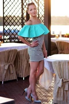 Dashenka from Zaporozhye 34 years - Music-lover girl. My mid primary photo.