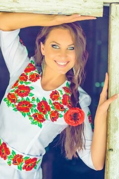 Nadya from Ivanofrankovsk 27 years - Warm-hearted girl. My mid primary photo.