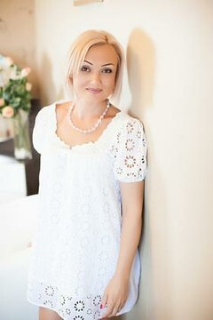 Svetlana from Nikolaev 41 years - waiting for husband. My mid primary photo.