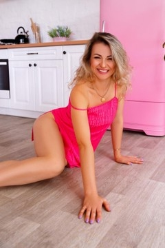 Tanya from Zaporozhye 32 years - easy charm. My small primary photo.