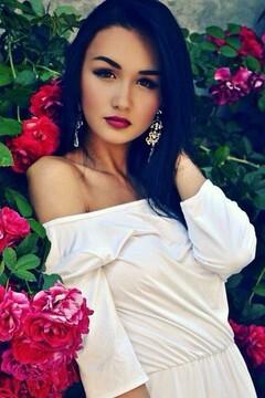 Yana from Cherkasy 18 years - introduce myself. My small primary photo.