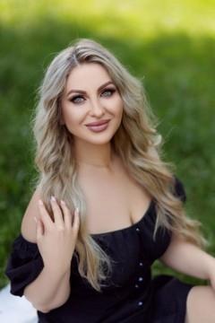 Svetlana from Ivanofrankovsk 35 years - bride for you. My small primary photo.