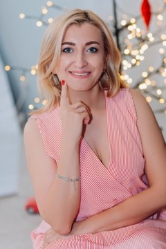 Inna from Lutsk 41 years - attentive lady. My small primary photo.