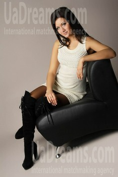 Oksana from Poltava 26 years - smiling for you. My small public photo.