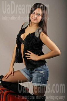 Oksana from Poltava 26 years - wants to be loved. My small public photo.