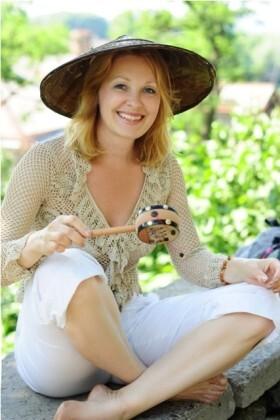 Natasha from Cherkasy 49 years - creative image. My small primary photo.
