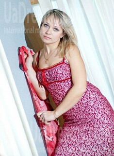 Natasha from Cherkasy 34 years - ukrainian bride. My small public photo.