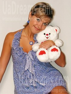 Irina from Sumy 34 years - Music-lover girl. My small public photo.