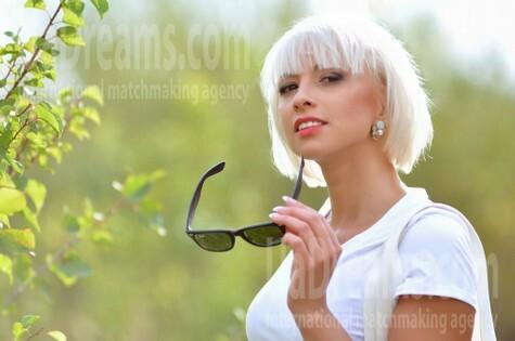 Zoryana from Ivanofrankovsk 33 years - soft light. My small public photo.