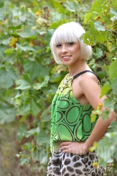 Zoryana from Ivanofrankovsk 32 years - nice smile. My small public photo.
