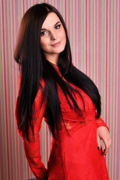 Galya from Ivanofrankovsk 23 years - eyes lakes. My mid primary photo.