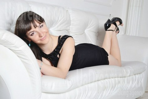 Alyona from Zaporozhye 21 years - nice fiancee. My small public photo.