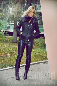 Anastasia from Zaporozhye 22 years - eyes lakes. My small public photo.