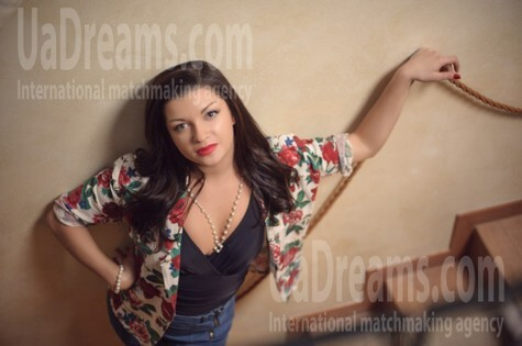 Alina from Ivanofrankovsk 25 years - easy charm. My small public photo.
