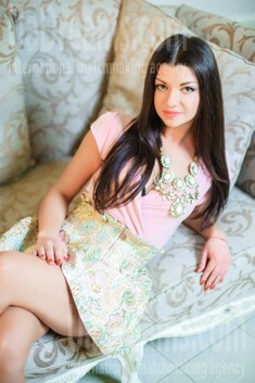 Alina from Ivanofrankovsk 26 years - soft light. My small public photo.