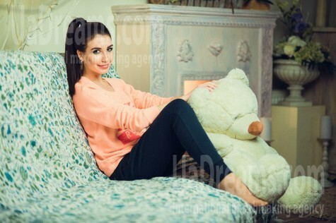 Masha from Poltava 23 years - looking for relationship. My small public photo.