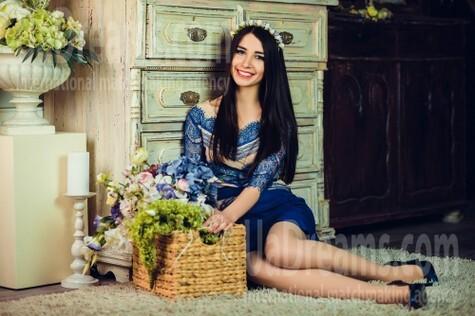 Masha from Poltava 23 years - soft light. My small public photo.