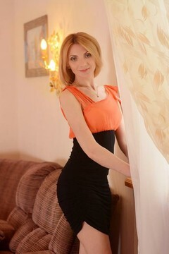 Lily from Kharkov 32 years - attentive lady. My mid primary photo.
