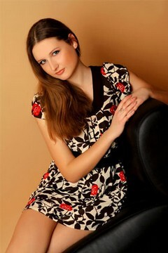 Tatiana from Poltava 22 years - waiting for husband. My mid primary photo.