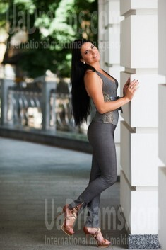 Nadya from Poltava 28 years - single russian woman. My small public photo.