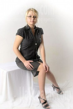 Kateryna from Rovno 20 years - attentive lady. My small public photo.