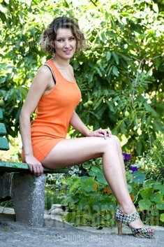 Elena from Rovno 27 years - photo gallery. My small public photo.
