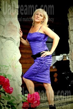 Oksana from Ivanofrankovsk 38 years - morning freshness. My small public photo.