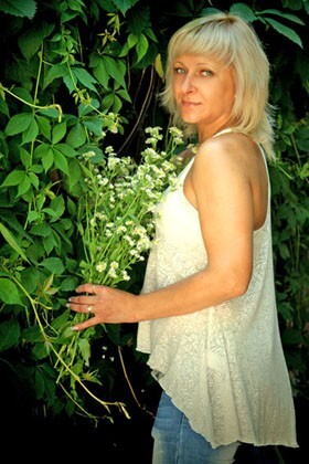 Oksana from Ivanofrankovsk 38 years - nice fiancee. My big primary photo.