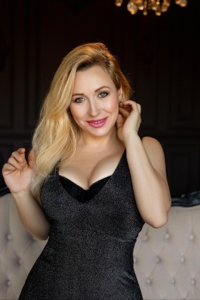 Oksi from Zaporozhye 34 years - single russian woman. My small primary photo.