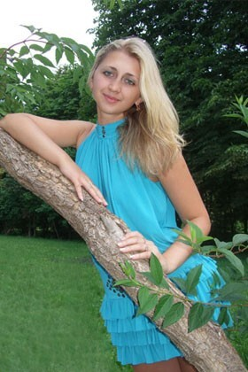 Natali from Rovno 23 years - seeking soulmate. My big primary photo.
