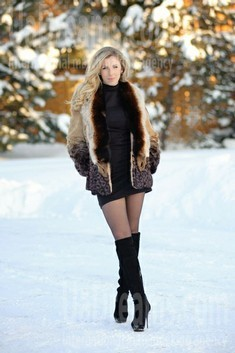 Antonina from Ivanofrankovsk 27 years - happy woman. My small public photo.