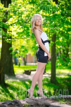 Lily from Sumy 24 years - sunny smile. My small public photo.