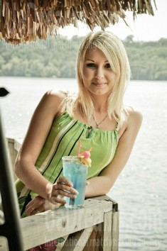 Natalie from Zaporozhye 28 years - morning freshness. My small public photo.