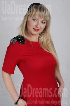 Irina from Cherkasy 35 years - soft light. My small public photo.
