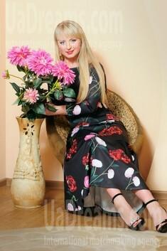 Irisha from Cherkasy 35 years - nice smile. My small public photo.