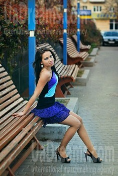 Anna from Rovno 20 years - ukrainian bride. My small public photo.