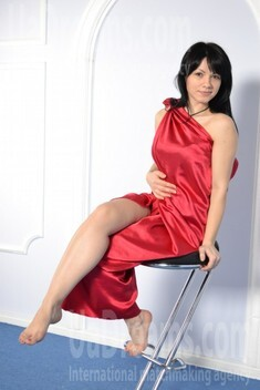 Olya from Zaporozhye 32 years - happy woman. My small public photo.