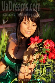 Olya from Zaporozhye 32 years - intelligent lady. My small public photo.