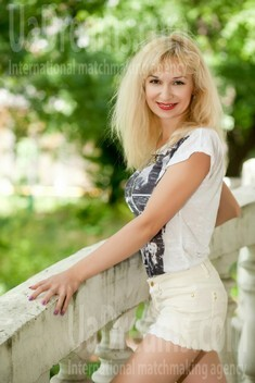 Tamara from Odessa 34 years - smiling for you. My small public photo.