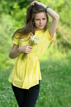 Masha from Ivanofrankovsk 25 years - future bride. My mid primary photo.