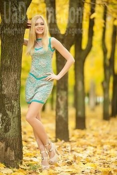 Maria from Nikolaev 25 years - attentive lady. My small public photo.