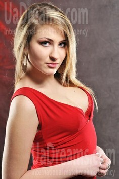 Alinka from Rovno 22 years - girl for dating. My small public photo.