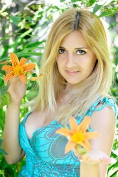 Ulyanka from Ivanofrankovsk 23 years - look for fiance. My small primary photo.