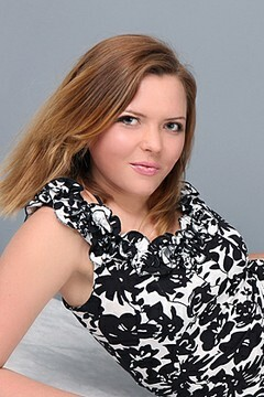Helena from Sumy 33 years - ukrainian bride. My small primary photo.