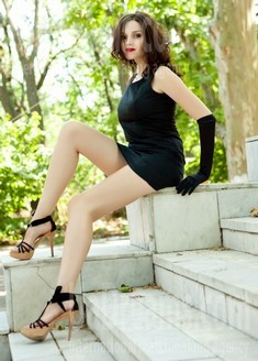 Elena from Odessa 32 years - happy woman. My small public photo.