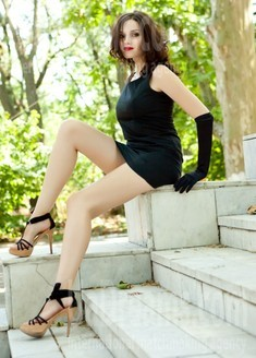 Elena from Odessa 34 years - mysterious beauty. My small public photo.
