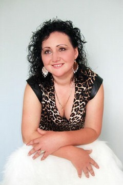 Emily from Rovno 37 years - looking for relationship. My mid primary photo.